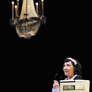Fala da criada dos Noailles que no fim de contas vamos descobrir chamar-se também Séverine numa noite do Inverno de 1975, Hyéres